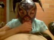 Mexicana mamando con la mascara de la pulga!!!