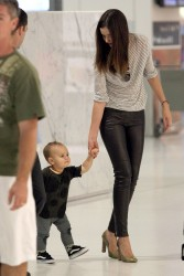 Миранда Керр, фото 3723. Miranda Kerr Sydney Airport arrival, february 28 / tagged, foto 3723,