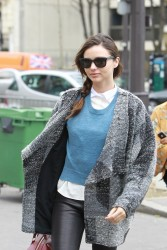 Миранда Керр, фото 3748. Miranda Kerr - arriving at the Miu Miu runway show, Paris - March 7, foto 3748