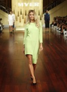 Дженифер Хокинс, фото 1573. Jennifer Hawkins Myer Autumn/Winter Fashion Launch Parade in Melbourne - 01.03.2012, foto 1573