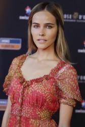 Isabel Lucas イザベル・ルーカス