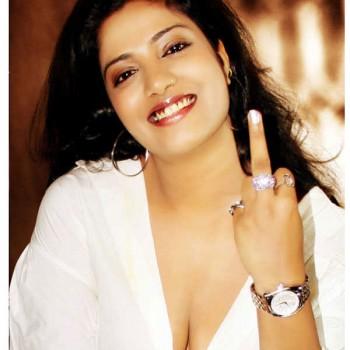 South Actres : Kavita Radheshyam re-loads Silk Smitha